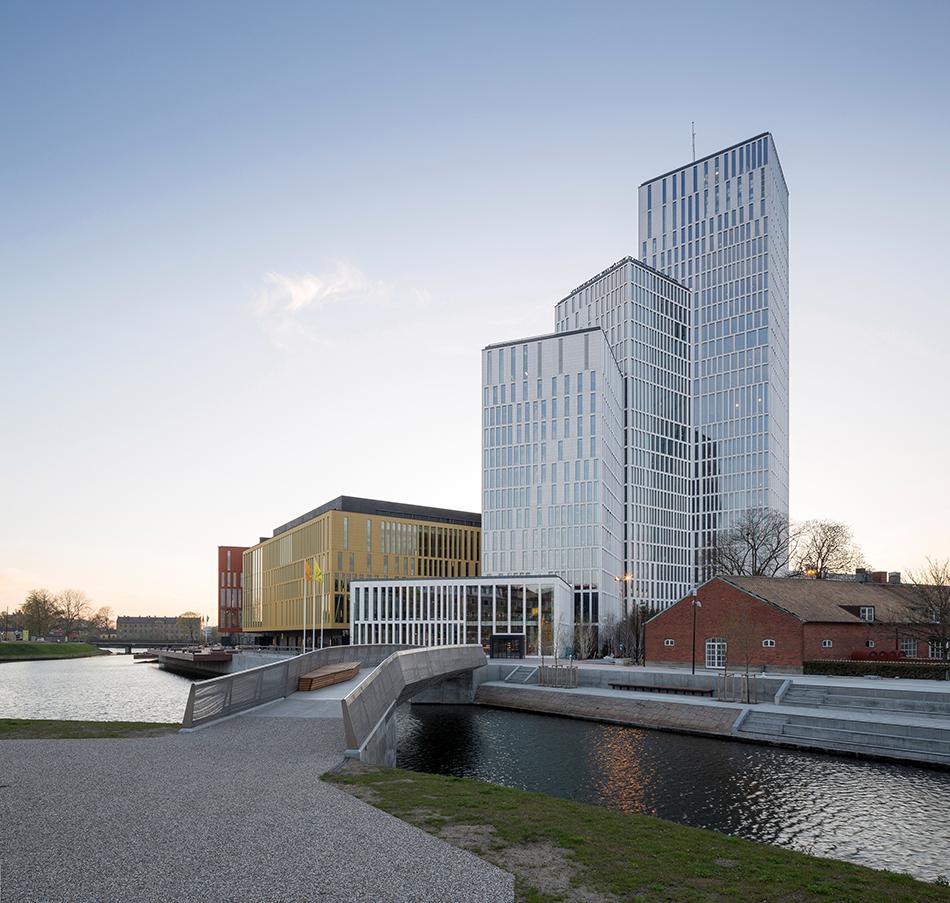 ny hotell eskort hand jobb i Malmö