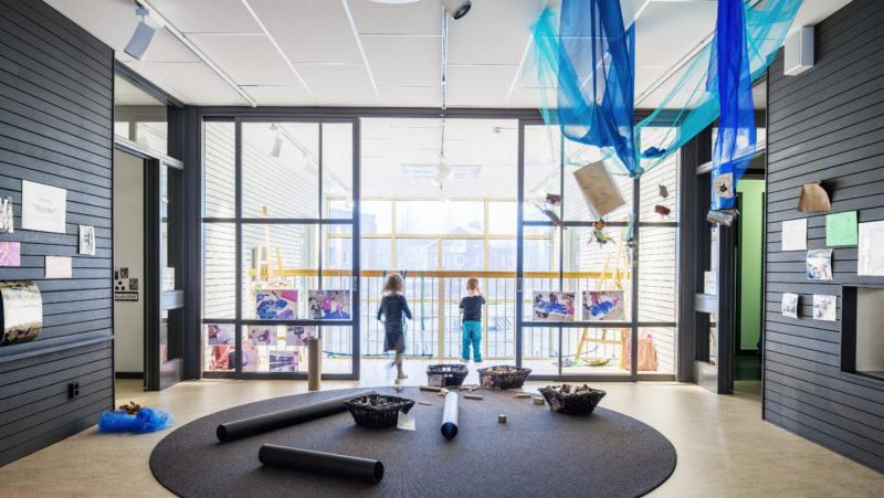 Hedlunda Förskola, Umeå av Sweco; Jonas Kjellander, Thomas Greindl och Jens Hoff. Ur Arkitektur nr 3 2016. Foto: Felix Gerlach.
