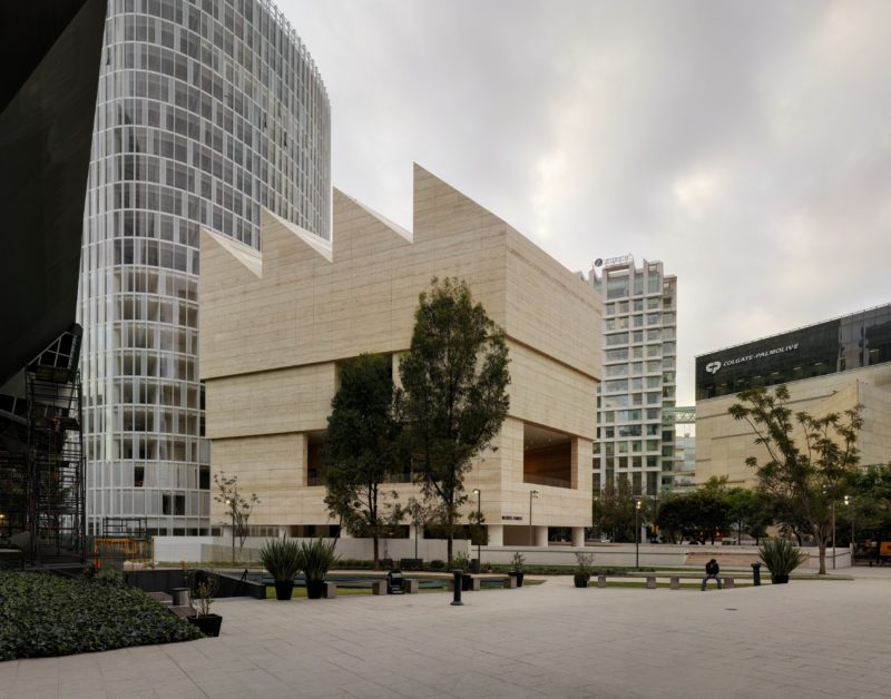 Museo Jumex är uppfört av en privat uppdragsgivare. Konstmuseet är ett privatfinansierat nytt offentligt rum i Mexiko City. Foto: Simon Menges