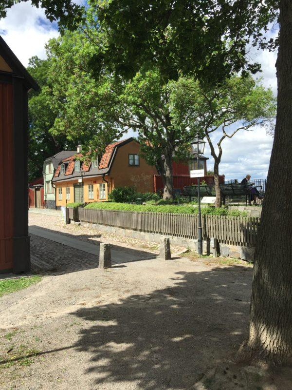 Gröna träd och en svårslagen utsikt vid Cornelisparken.