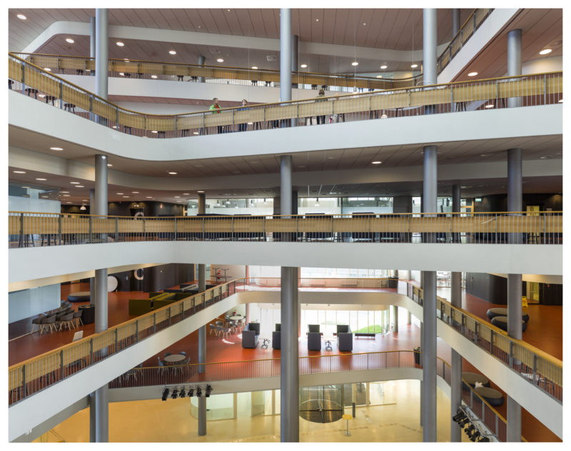 Forskarna på Malmö högskola har vittnat om svårigheter att arbeta i högskolans nya byggnad. Foto: Jens Lindhe