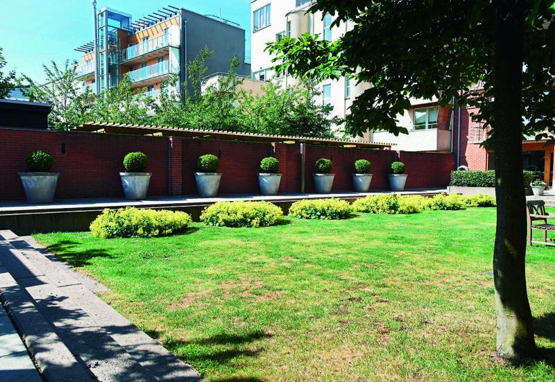 Den lilla bostasgården med långt driven detaljering. Bo01, Malmö 00-tal. Foto: Ole Jais