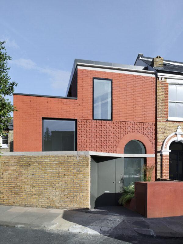 I Red House arbetar kontoret 31/44 med referenser till Londostadsdelen East Dulwichs viktorianska bebyggelse. Foto: Rory Gardiner